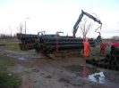 Pipe laying vehicle