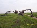 Tracked dredge machine